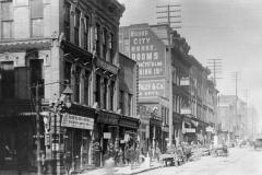1885: Battle Row - Main btw 4th & 5th