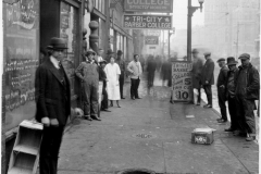 1925: Tri City Barber - 500 blk of Main